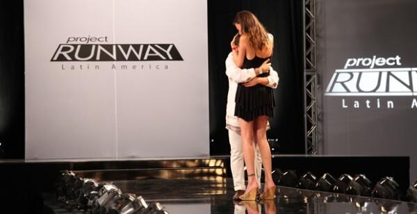 Aquí con Cata, justo después de que le dijeran que él había sido el ganador.