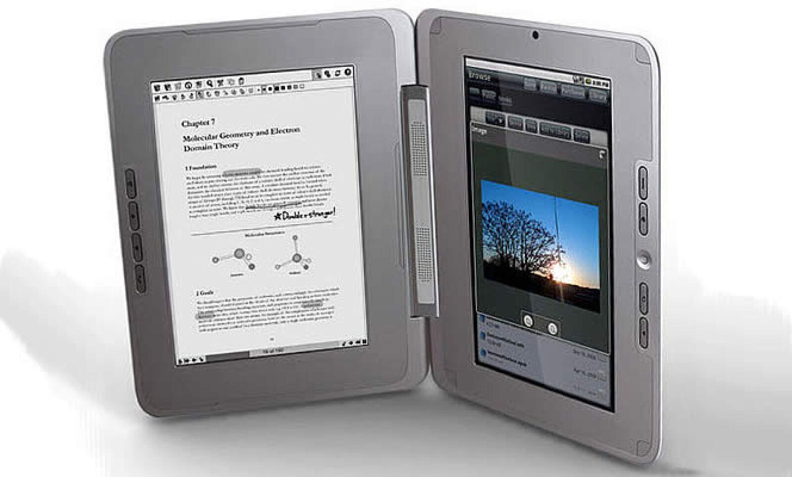 El lector de libros digitales, Edge, de la compañía Entourage cuenta con doble pantalla de 10 pulgadas, en una podrás ver el documento en blanco y negro, en la otra podrás desplegar gráficos o páginas de Internet. Tendrá un precio estimado de 500 dólares.