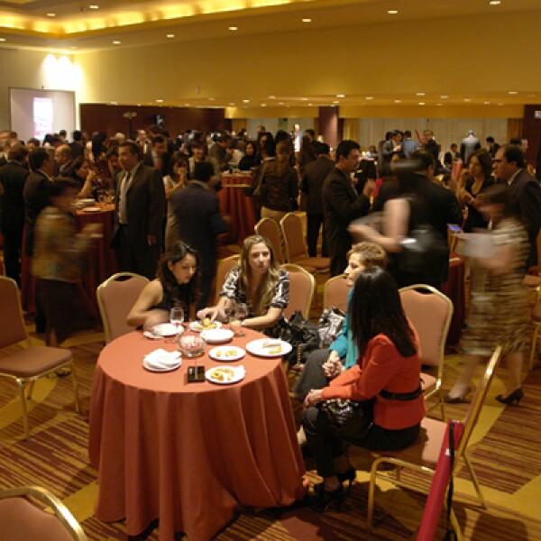 Después de la premiación los invitados disfrutaron de un cocktel para conocer a otros colaboradores y celebrar su triunfo.