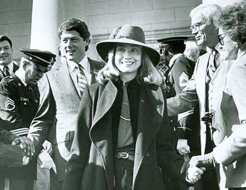 Mientras que la candidata a la presidencia de Estados Unidos confía en el traje sastre para la mayoría de sus eventos, algunas fotos vintage han expuesto su lado más estiloso ¡y estamos obsesionadas!