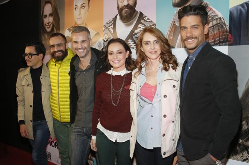 Personalidades como Erick Elías, Juan Pablo Medina y Marimar Vega se reunieron ayer para el estreno de la versión teatral de la historia de Manolo Caro. Allí, Irán Castillo confesó estar soltera.
