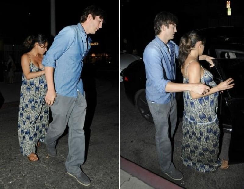 Mila y Ashton han sido captados durante el embarazo en varios lugares públicos de California.