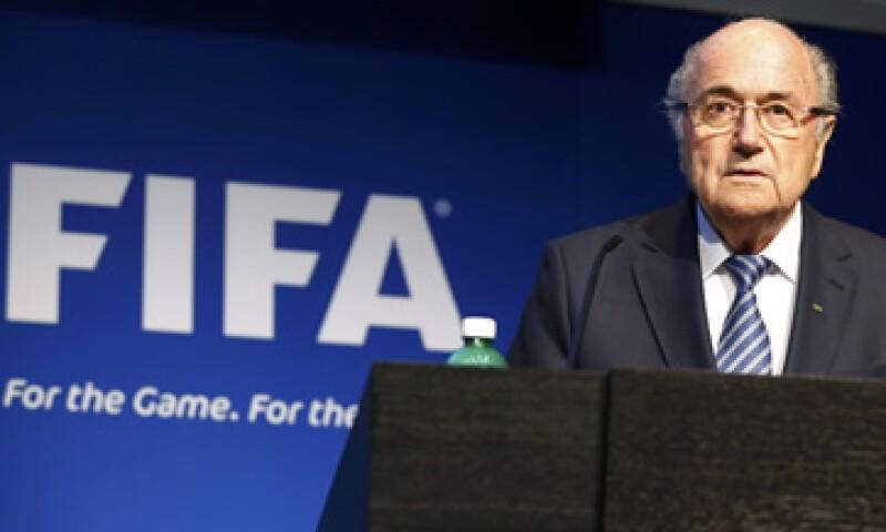 Blatter renunció a la presidencia de la FIFA apenas cuatro días después de ser reelecto. (Foto: Reuters )