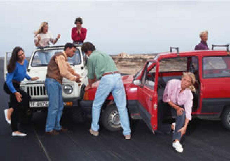 Algunas aseguradoras dan descuentos a personas que no han chocado ni tienen multas por pagar. (Foto: Jupiter Images)