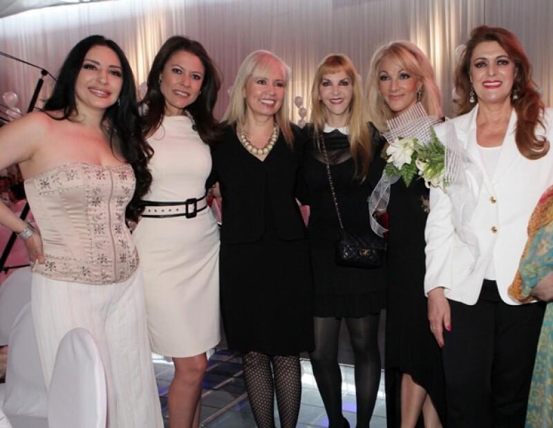 Luhana, Lorena Álvarez, Carla Estrada, Shanik Berman, Olivia Collins, Rosa Gloria Chagoyán.