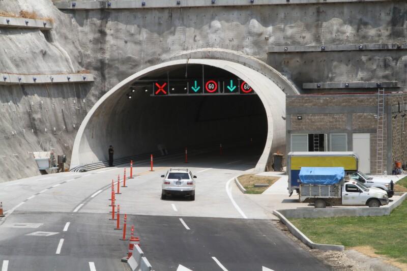 Macro túnel