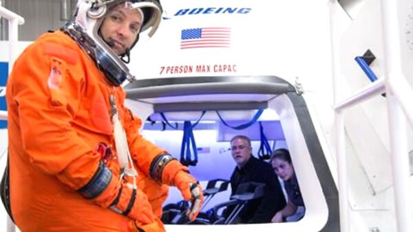 La NASA trabajar� junto a Boeing y SpaceX para construir 'taxis espaciales'. (Reuters)