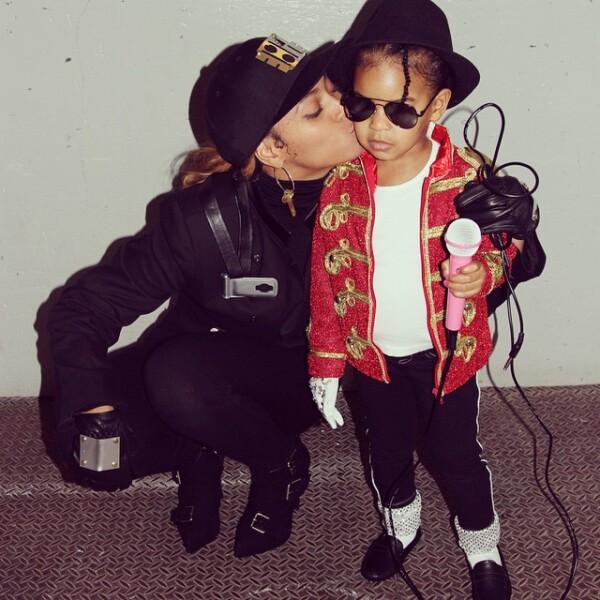 Adorables!! Beyonce y Blue Ivy de Janet y Michael Jackson.