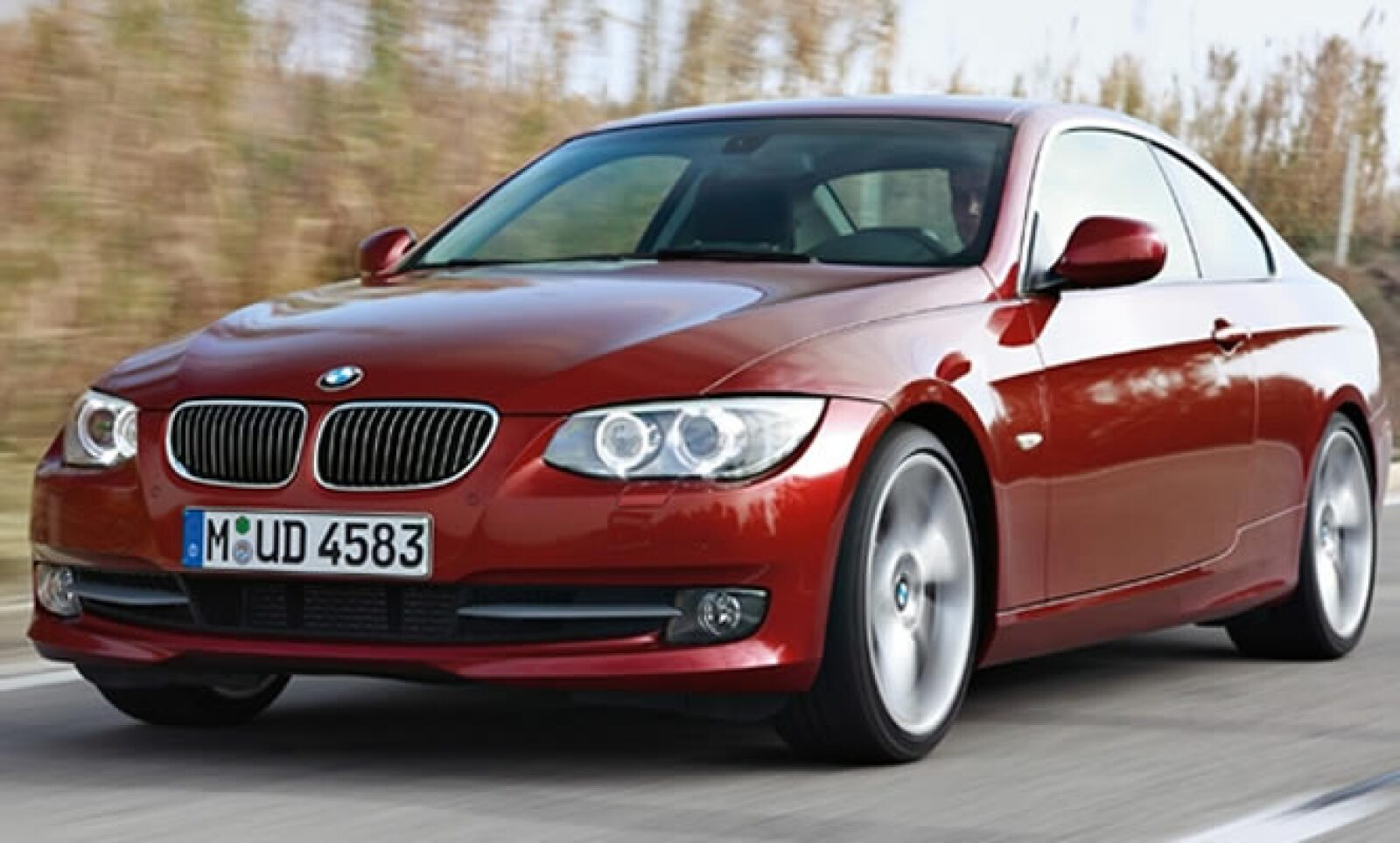 Los nuevos modelos BMW Serie 3 presentan modificaciones específicas del diseño respecto a sus versiones anteriores.