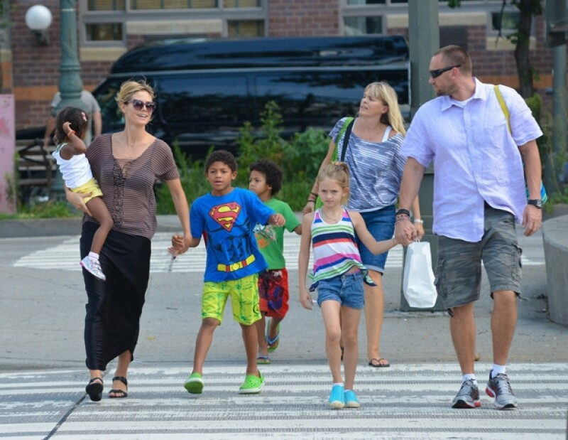 Heidi Klum y sus hijos siempre viajan en compañía de Martin Kirsten.