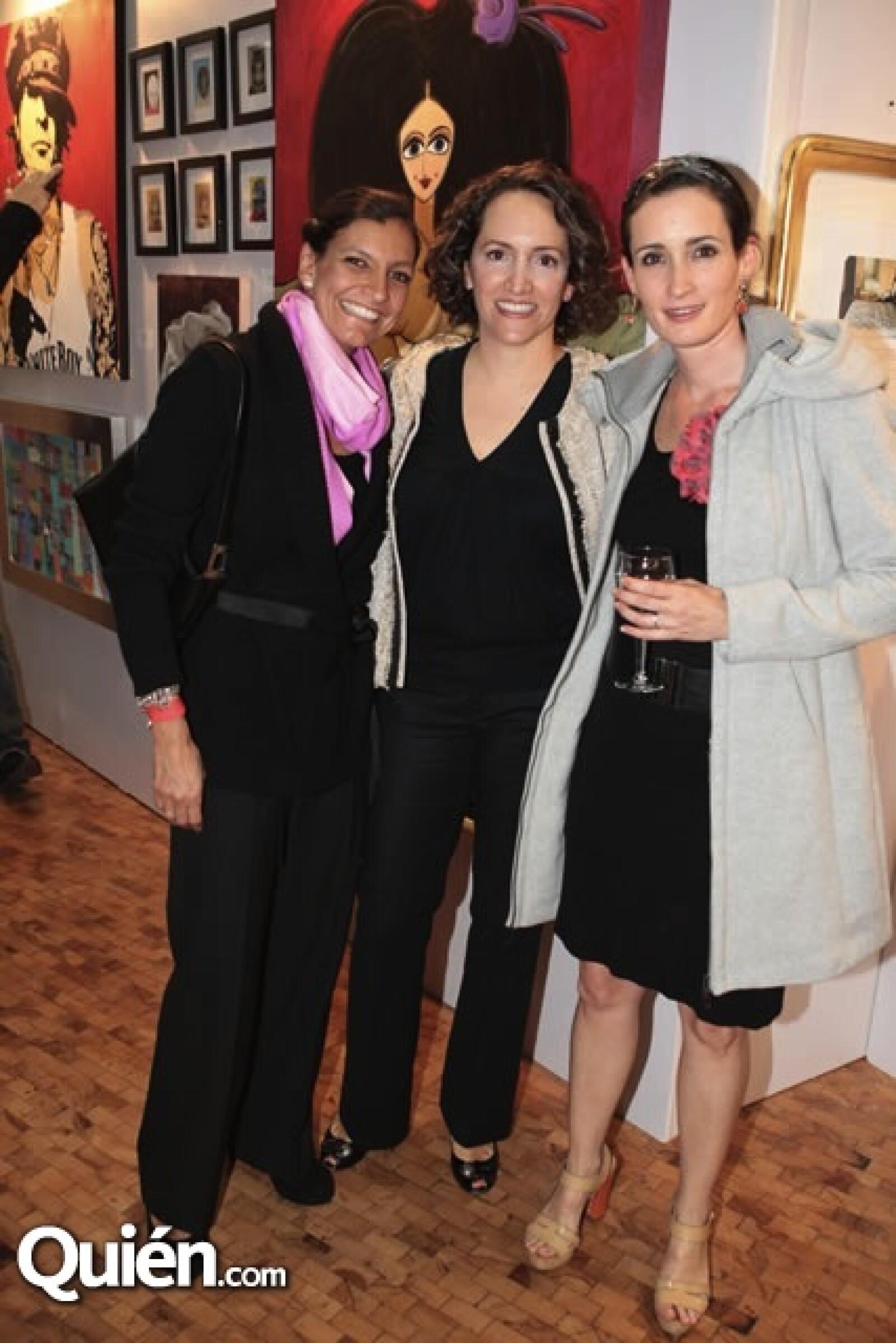Cristina Olea, Ximena Guerrero, Michelle Woodblidge