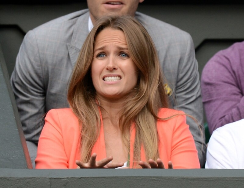 Por su entusiasta actitud, pulidos looks y fascinante sonrisa, la novia del campeón del torneo, Kim Sears se convirtió en el nuevo icono de estilo de los británicos.