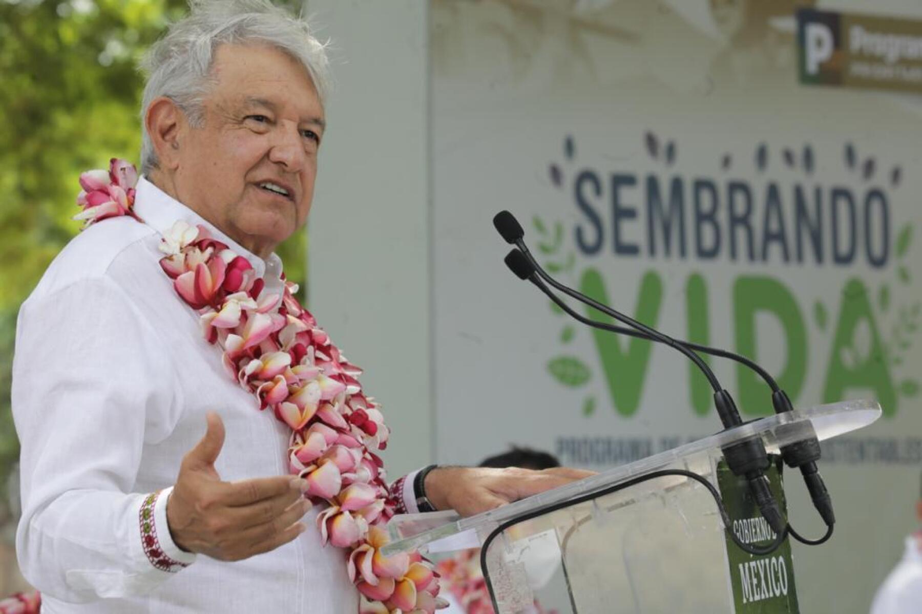 López Obrador pide no culpar a todo el Ejército por caso Cienfuegos