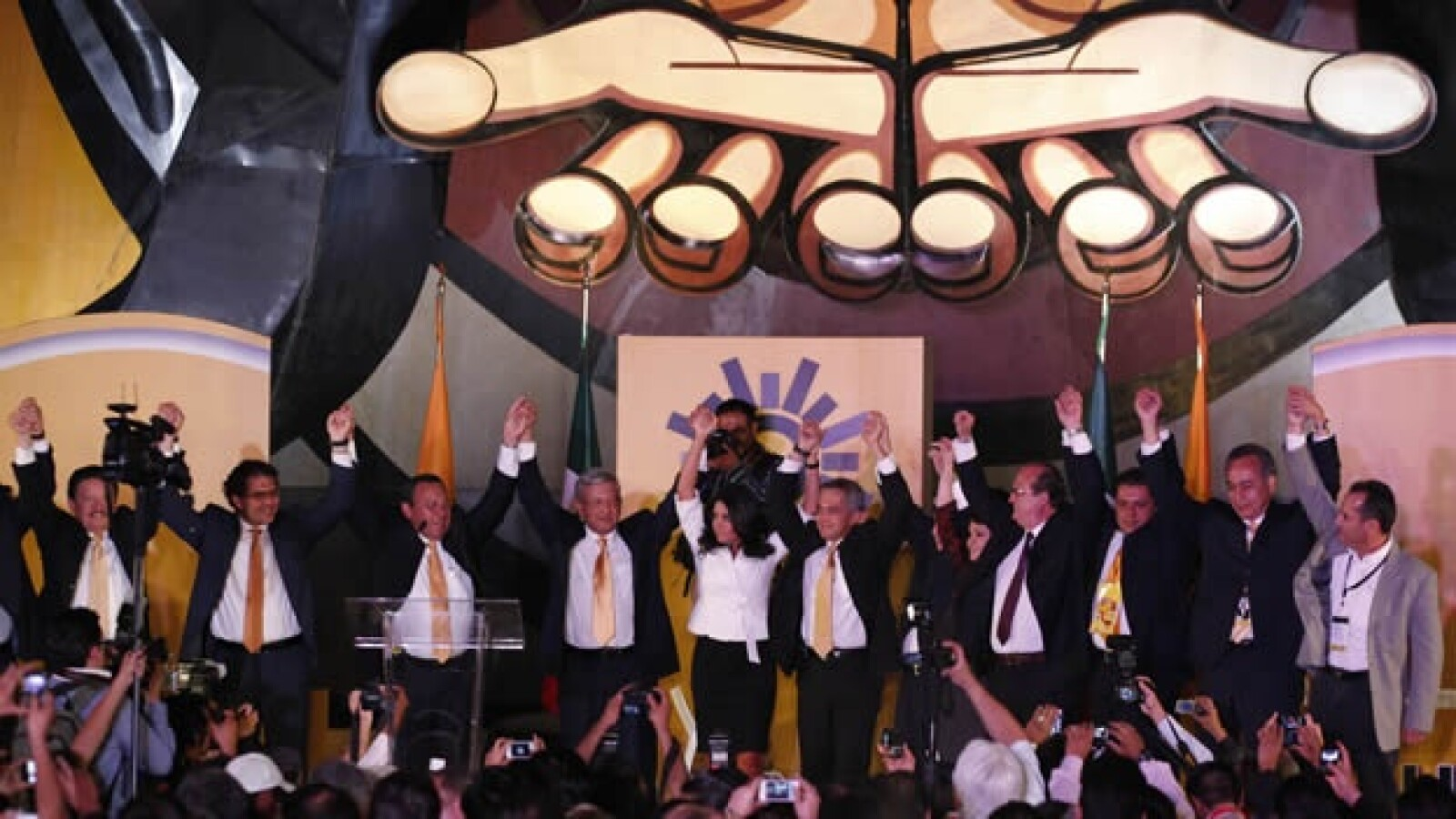 16 de marzo-lopez obrador toma protesta como candidato del prd