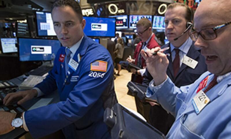 En la semana, el S&P 500 ganó 2.7%, su mayor alza porcentual semanal desde julio. (Foto: Reuters)