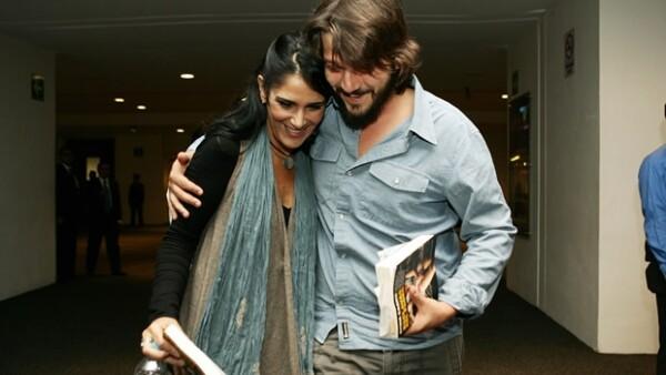 `Esclavas del poder´ es el título de esta nueva obra periodística presentada por la escritora, quien estuvo acompañada por el actor, Carmen Aristegui y Juan Villoro.