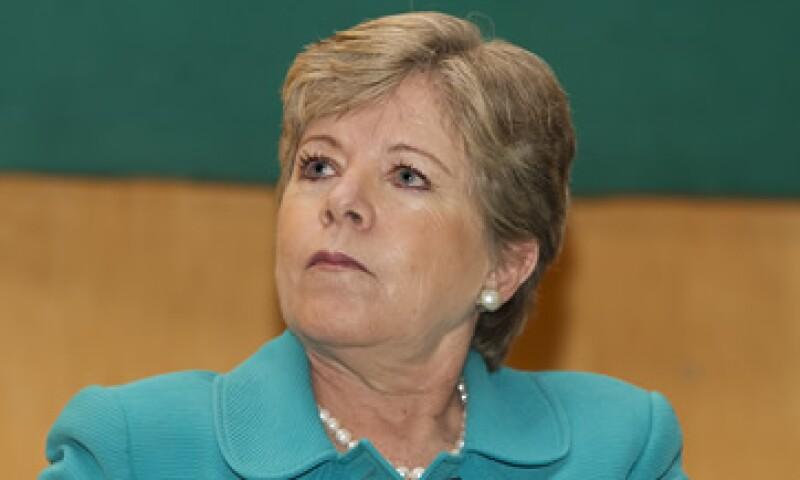 La secretaria ejecutiva de la Cepal, Alicia Bárcena, dijo que ojalá se apruebe la reforma energética.  (Foto: Notimex)