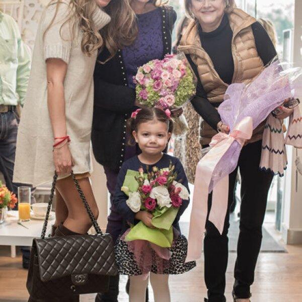 Paola Henaine,Lili Henaine,Miranda Fernández,Estela de Fernández