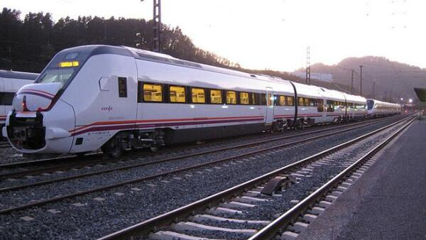 Tren transpeninsular