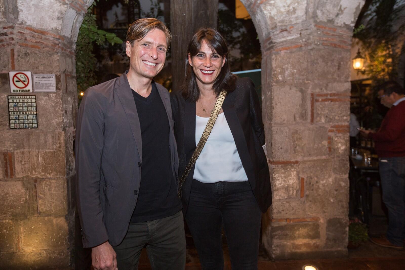 Paloa Cueli y Mauricio Ceballos (2).jpg
