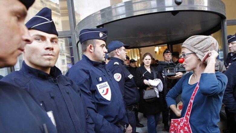 La policía ha desplegado cerca de 12,000 elementos para cuidar la cumbre del G20.