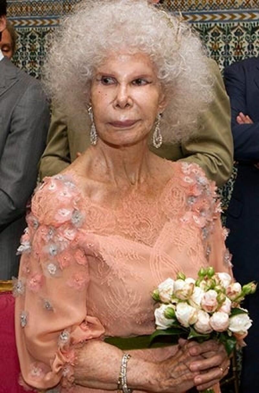 Cayetana de Alba ha muerto a los 88 años en el sevillano Palacio de Dueñas rodeada de sus hijos y de su tercer marido, Alfonso Díez.