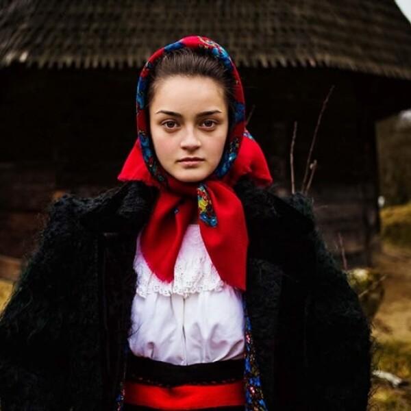 mujer rumania