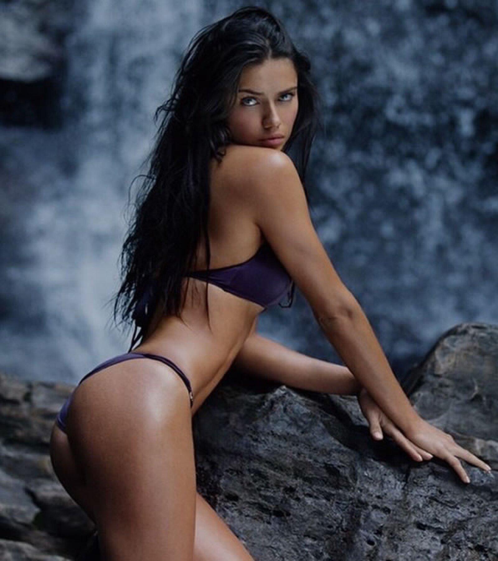 La modelo no perdió tiempo en compartir sus fotos en las redes sociales de dicho especial.