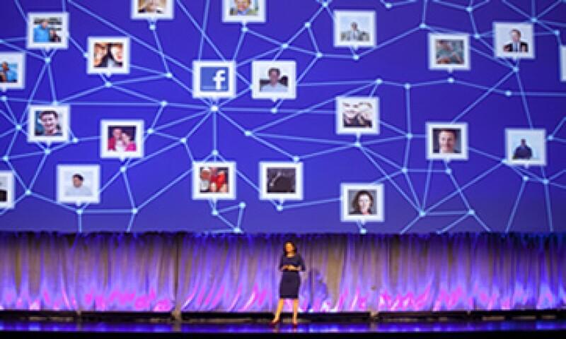 La investigación de comScore afirma que son las menciones de los usuarios las que tienen mayor influencia de compra.  (Foto: AP)
