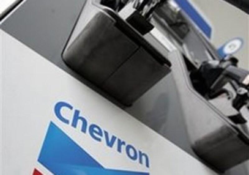 La petrolera aún tiene pendiente una demanda en su contra por contaminación en Ecuador. (Foto: AP)