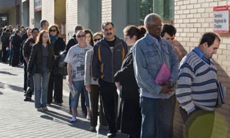 Las recientes medidas pretenden detener el alarmante desempleo de 26% en España. (Foto: Getty Images)