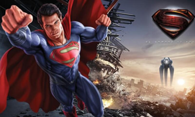 En Suburbia alrededor de seis licenciatarios participaron con aproximadamente 60 productos que llevan la imagen de Superman. (Foto: Tomada de Suburbia.com.mx)