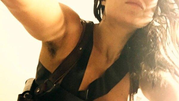 """La actriz de """"Fast & Furious"""" compartió una foto en la que demuestra que continúa sin depilarse, tal como lo hizo semanas antes, y prometió hacerlo antes de que acabe el año."""