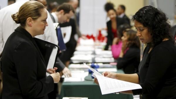 La tasa de desempleo en Estados Unidos se mantuvo en 5% en abril, reportó el Departamento del Trabajo.