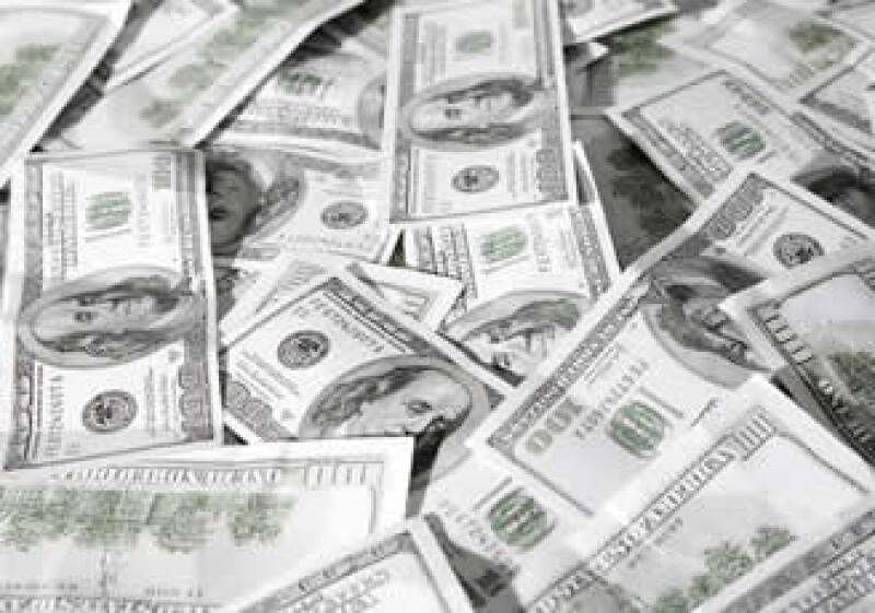 La venta de divisas de Pemex al Banco Central impulsó el monto de reservas. (Foto: Photos to go)