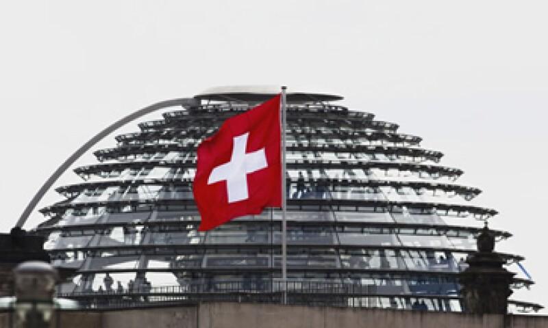 Analistas esperaban un crecimiento del 0.2% de la economía suiza. (Foto: AP)