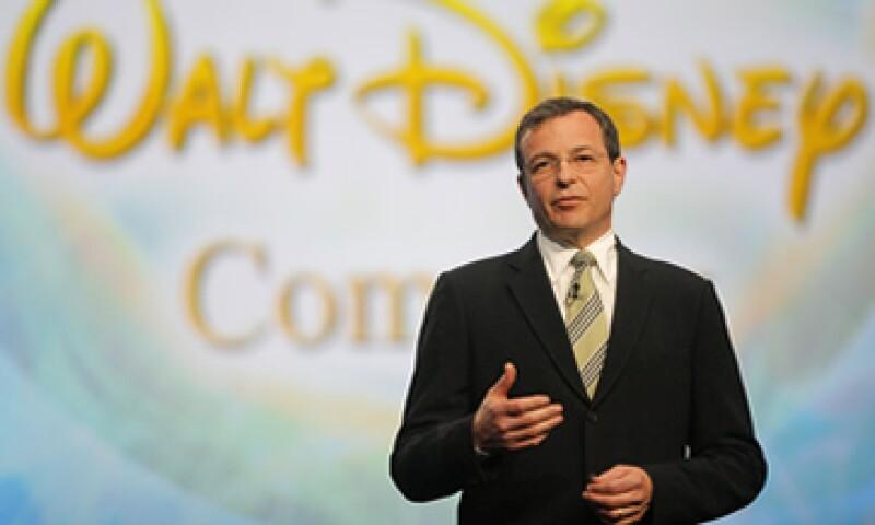 Bob Iger dirige a Disney, una compañía que genera ingresos anuales por 40,000 millones de dólares. (Foto: AP)