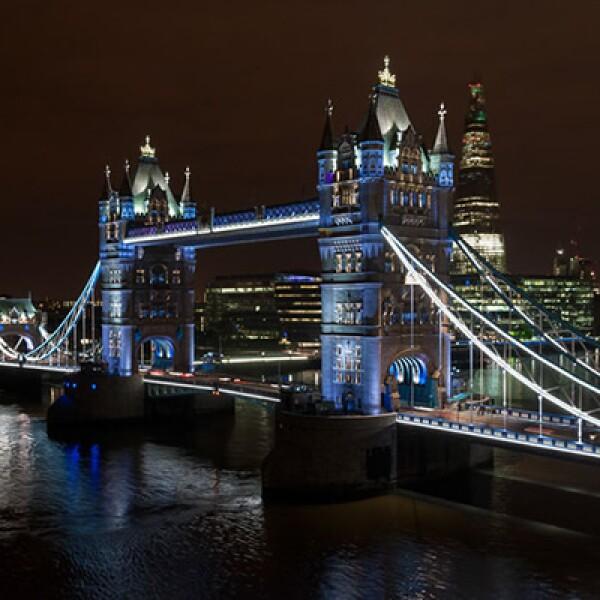 Todas las noches, habrá un evento especial de luces en esta locación, para que las personas en la ciudad puedan disfrutar plenamente de la nueva iluminación