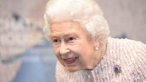 reina Isabel II.jpg