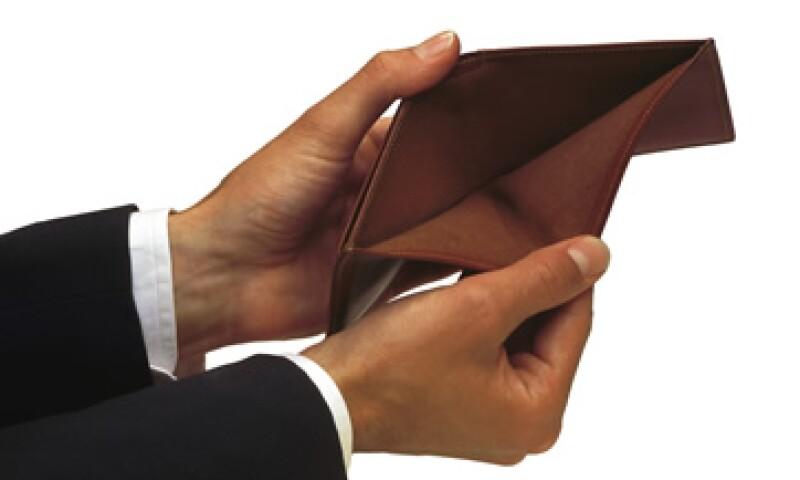 HSBC aplica una comisión de 40 pesos al aceptar pagos a Telmex. (Foto: Thinkstock)