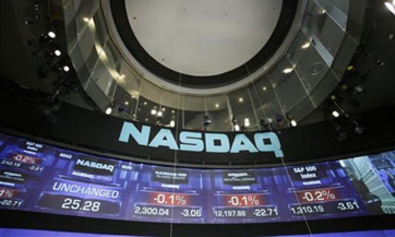 Los ingresos de Nasdaq aumentaron 18% a 438 mdd. (Foto: AP)