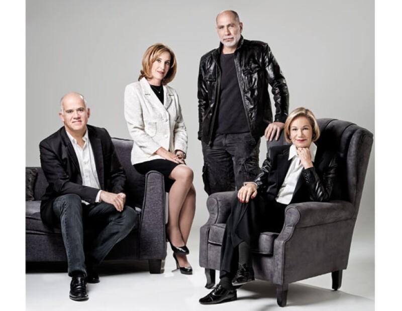 Juan Ignacio Zavala, Ma. Elena Morera, Guillermo Arriaga y Guadalupe Loaeza posaron para la portada de la edición 308 de la revista Quién.