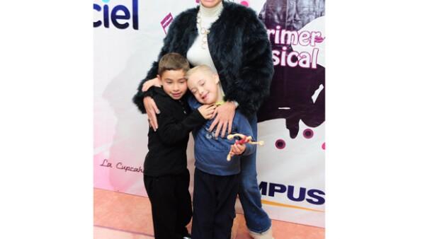 En una entrevista concedida a `Hoy´, la actriz dijo que ella y sus hijos ya se encuentran fuera de peligro después del accidente por lo que el día de hoy serán dados de alta y regresarán al DF
