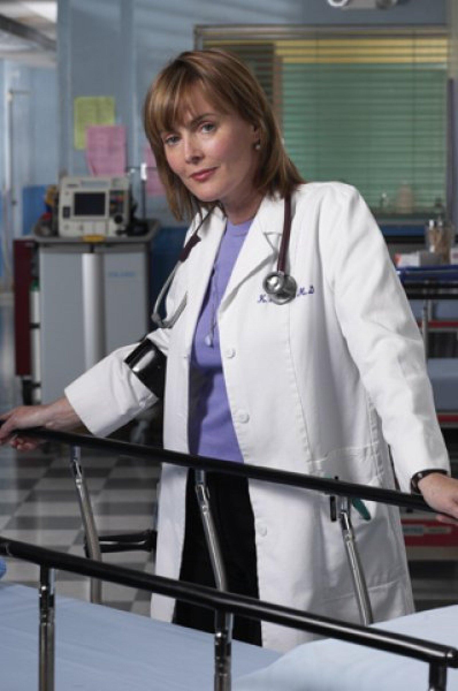 En otoño de 1995, Laura Innes se unió al exitoso drama médico de la NBC en su segunda temporada, donde interpretaba a la Dra. Kerry Weaver. En 2001, el personaje, que tenía una discapacidad física, salió del armario.