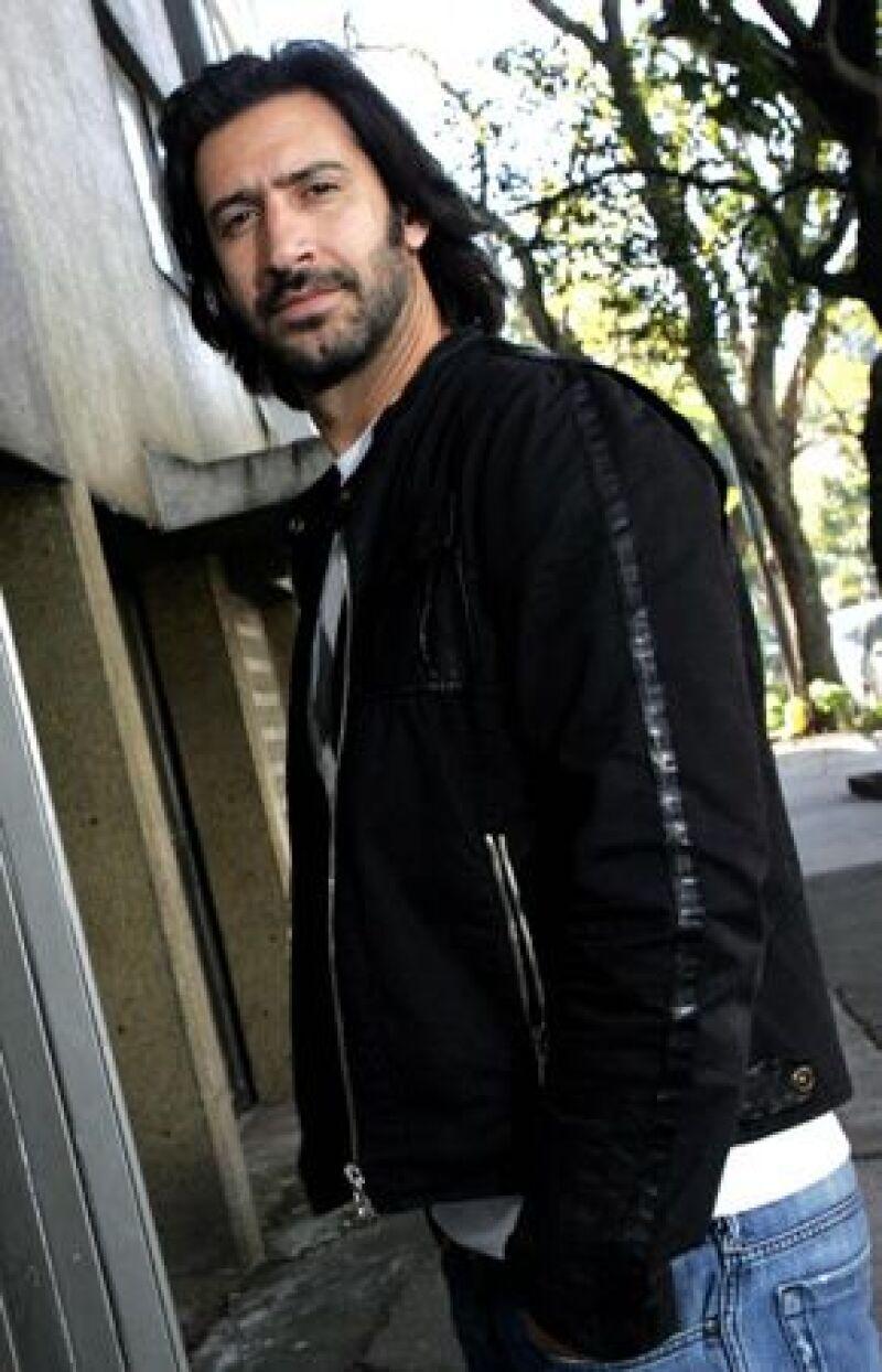 El actor mexicano confesó estar nervioso por su nominación como Mejor Actor de Reparto por su participación en la película 'Sólo quiero caminar'.