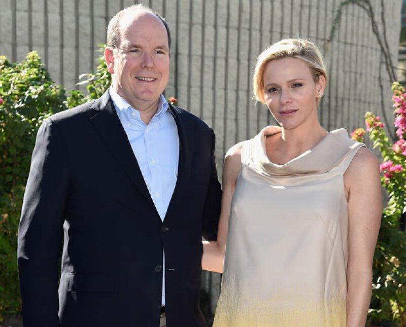 Por fin llegó el heredero a la casa real de Mónaco. Charlene Wittstock se convirtió hoy en madre de Jacques y Gabriella; el primero será el sucesor de su padre al mando del Principado.