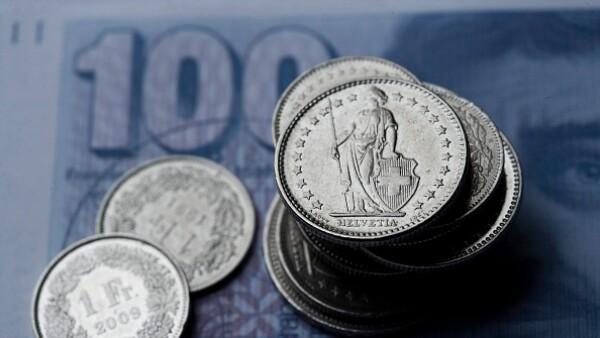 Pemex realizó una colocación en el mercado por 375 millones de francos suizos en dos partes: el primero vence en 2018 y el segundo en 2021.