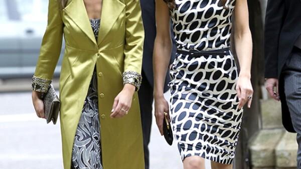 La Duquesa de Cambridge y su hermana Pippa Middleton son imitadas por su femenino estilo, tanto que muchas de las prendas que usan se agotan rápidamente en las tiendas.