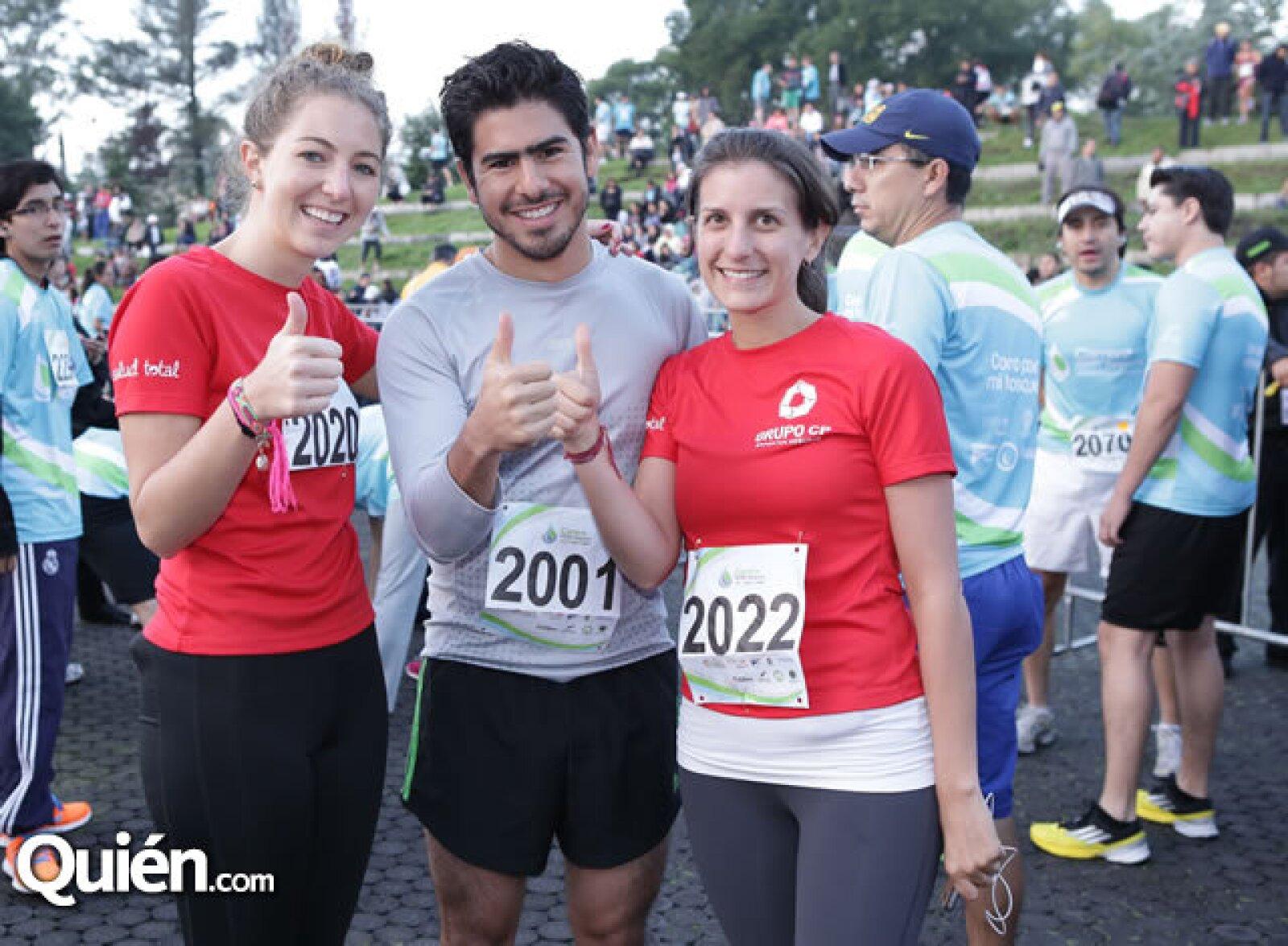 Estefanía Veraza, Rodrigo Leal y Ana Villamil