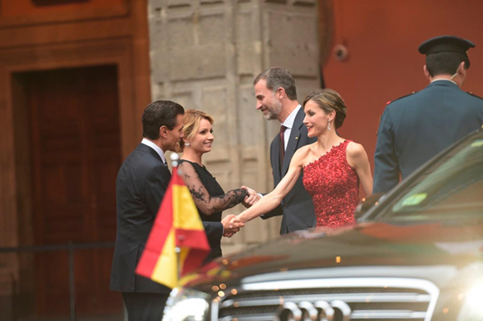 México y España continuarán fortaleciendo sus vínculos indivisibles para que en unidad, las sociedades de ambos países puedan tener mejores condiciones de vida, afirmó el presidente Enrique Peña Nieto.